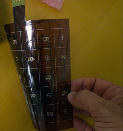 Sensores para detectar la flexibilidad de una pantalla