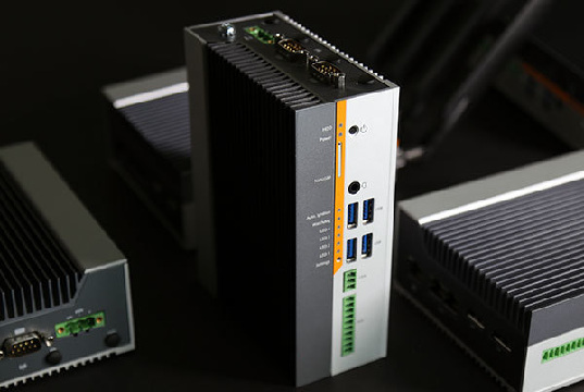 PC compacto rugerizado para IoT