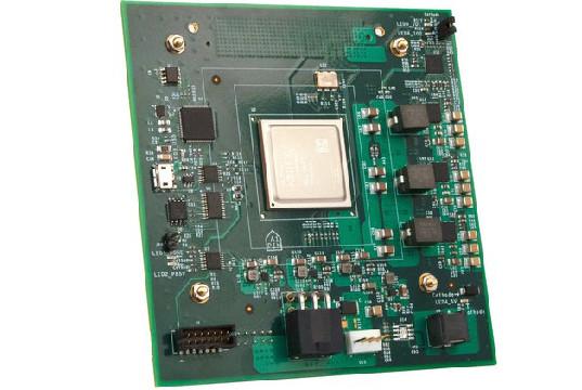 Placa FPGA con alta capacidad de procesamiento y potencia