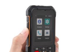 Smartphone rugerizado con certificaciones de resistencia