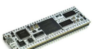 Tarjeta de desarrollo FPGA para breadboard y prototipado rápido